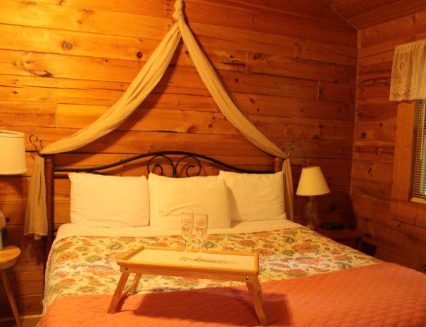 Laurel King Bed 2