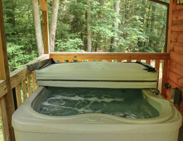 Sugar Shack Yurt Hot Tub