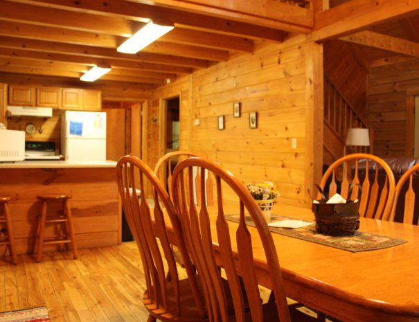 Lost Paddle Cabin Dining Table & Kitchen
