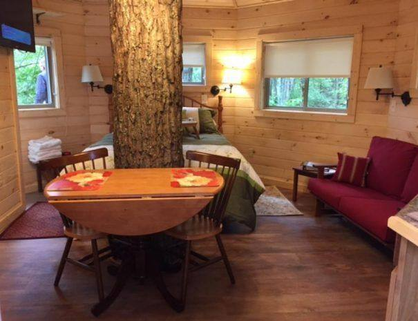 Holly Rock Treehouse Cabin Dining Area