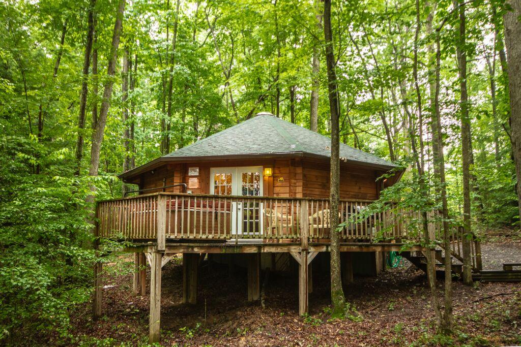 Love Shack Yurt Cabin Outside