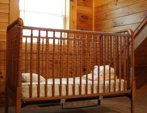 Pillow Rock Cabin Crib