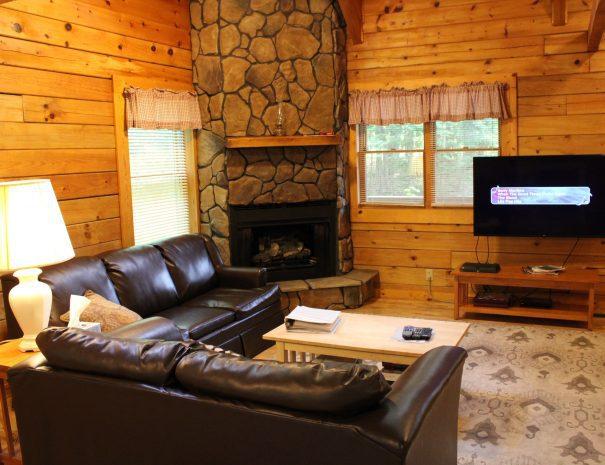 Pillow Rock Cabin Living Room 1