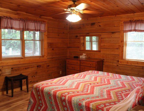 Pillow Rock Cabin Main Floor Bedroom