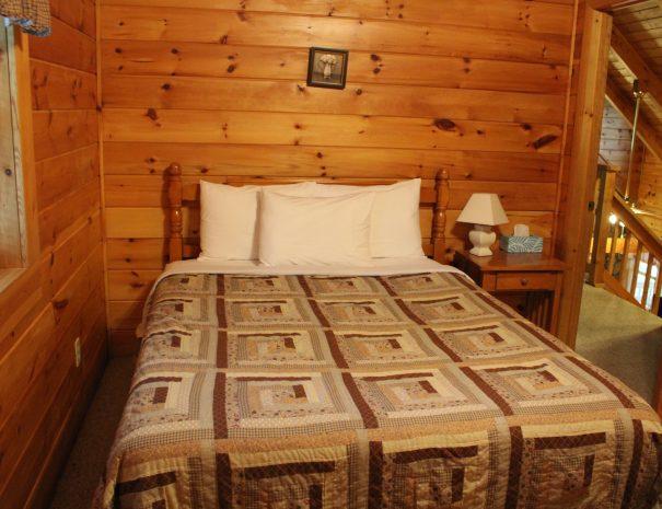 Pillow Rock Cabin Upstairs Bedroom 2