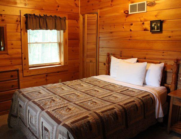 Pillow Rock Cabin Upstairs Bedroom 1