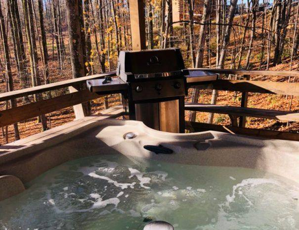 Wilderness Cabin Hot Tub and Grill on Deck