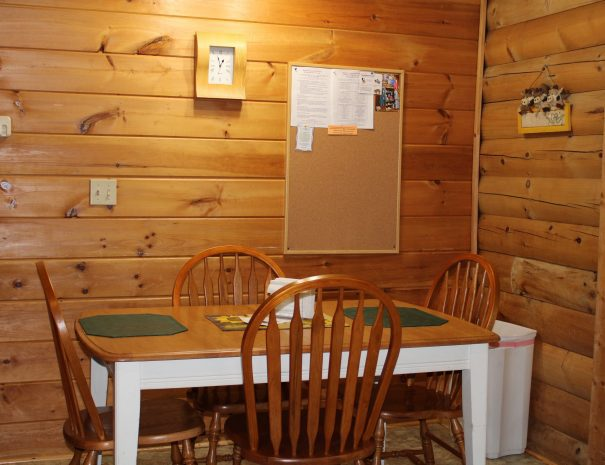 West Virginian Cabin Dining Table