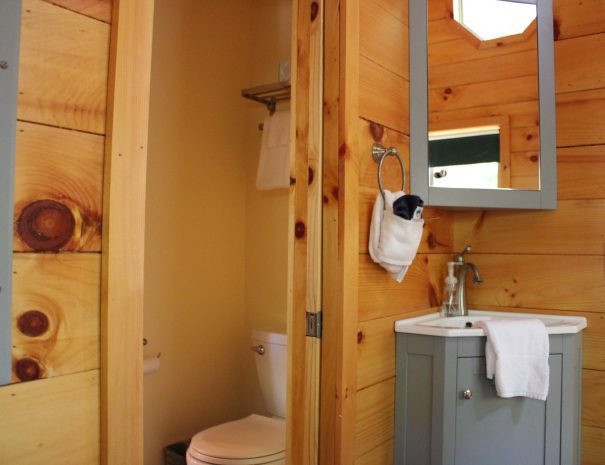 Tuscany Tree House Cabin Bathroom