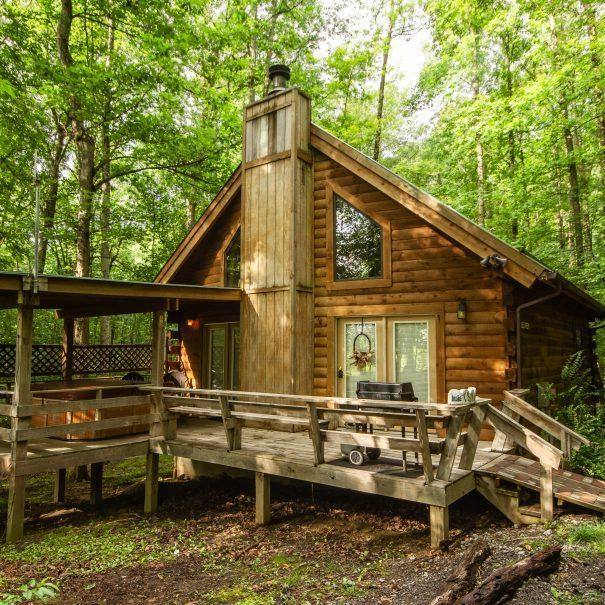 Valley View Cabin Outside