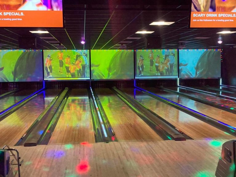 Pinheads Bowling Alley